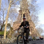 Shoup on Velib bike in Paris